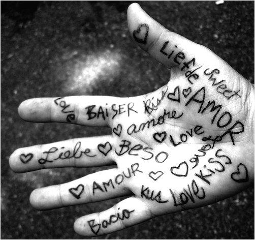 """Gli uomini fanno fatica a dire: """"Ti amo""""  di Luciana Littizzetto"""